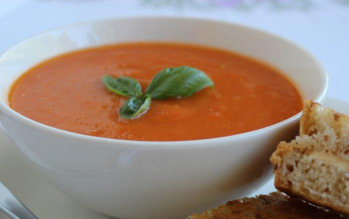 verse-tomaten-basilicum-soep