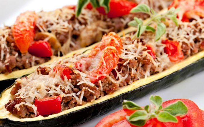 courgette-gevuld-met-pikant-gehakt