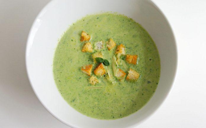 romige-basilicum-spinazie-soep
