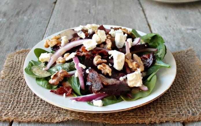 spinazie-salade-suikernoten-en-bacon