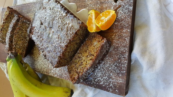 Bananencake met limoen glazuur