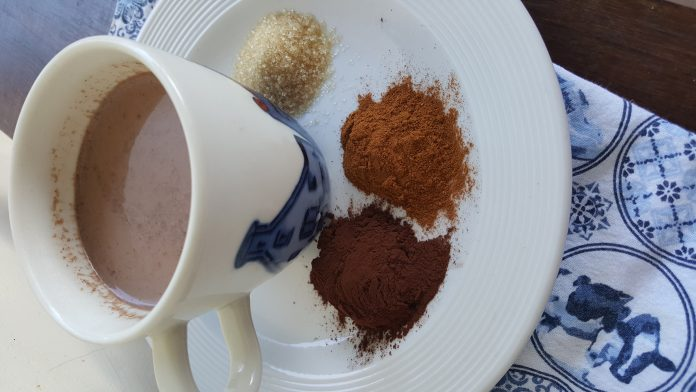 Warme chocolade kaneel melk