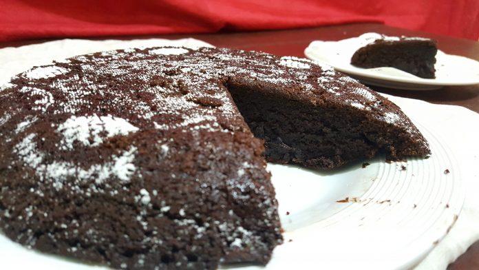 Chocoladecake met koffiesmaak.